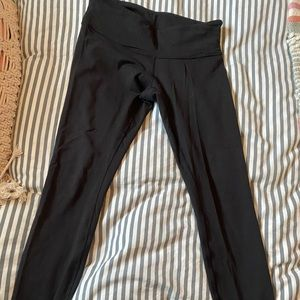 Black Lululemon wunder unders